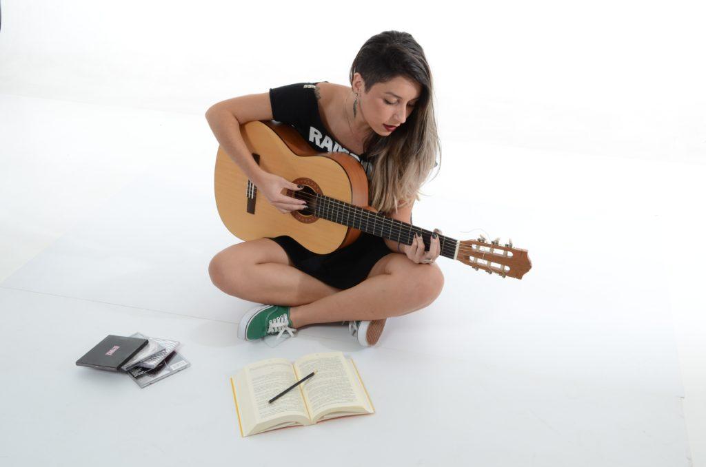 ギター チューニング ヘルツ