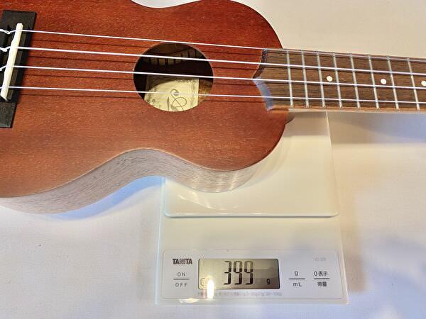 Aria au-1 ウクレレ重量